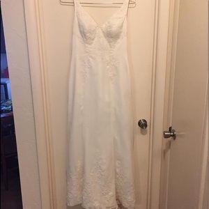 David's Bridal Gallina Ivory Wedding Gown Size 10